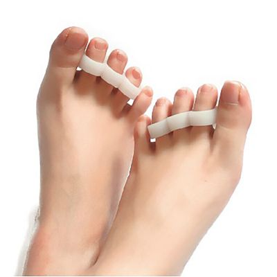 toe seperators on toes top view